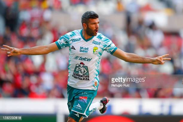 Emmanuel Gigliotti of Leon celebrates his team's second goal during the 14th round match between Atlas and Leon as part of the Torneo Guard1anes 2021...