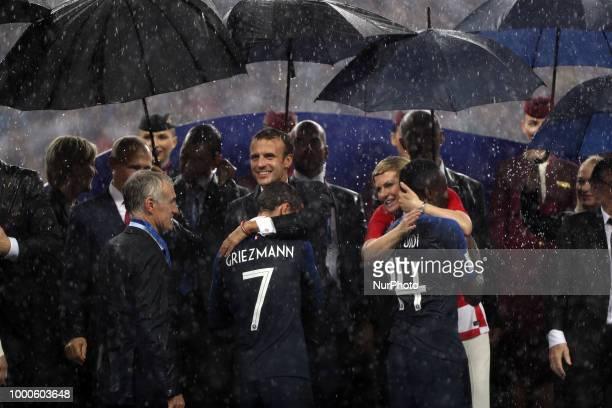 Emmanuel Macron Vladir Poutine Kolinda GrabarKitarovic Vladimir Putin Antoine Griezmann during Russia 2018 World Cup final football match between...
