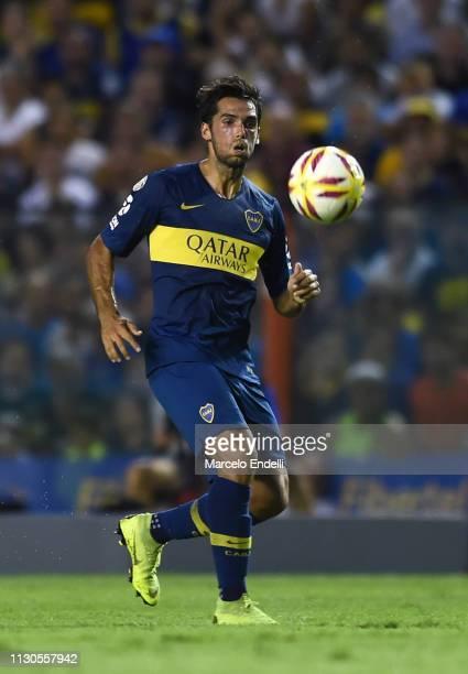 Emmanuel Mas of Boca Juniors looks at the ball during a match between Boca Juniors and Lanus as part of Superliga 2018/19 at Estadio Alberto J...