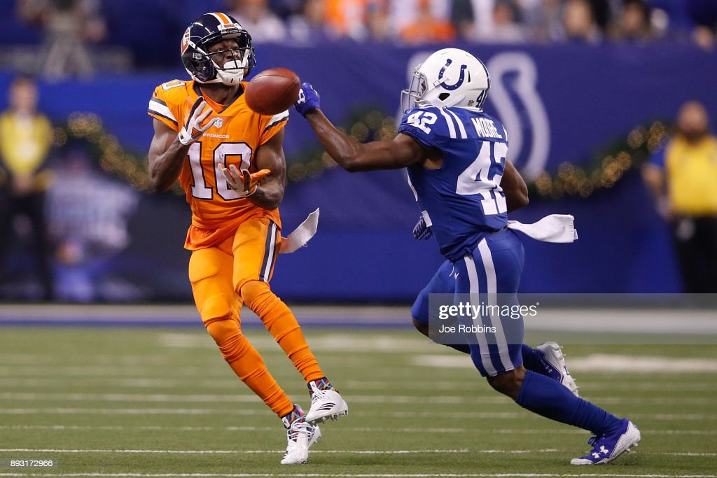 Denver Broncos v Indianapolis Colts : News Photo