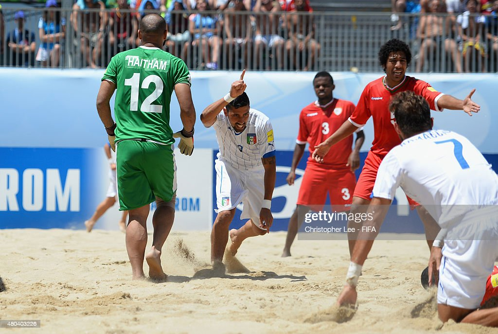 Oman v Italy: Group B - FIFA Beach Soccer World Cup : News Photo