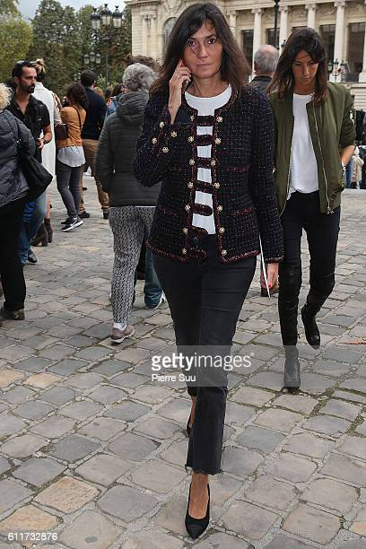 Emmanuelle Alt arrives at the Mugler show as part of the Paris Fashion Week Womenswear Spring/Summer 2017 on October 1 2016 in Paris France