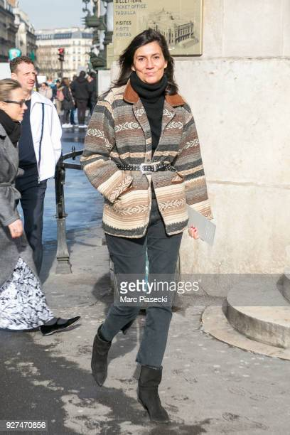 Emmanuelle Alt arrives to attend the Stella McCartney fashion show on March 5 2018 in Paris France