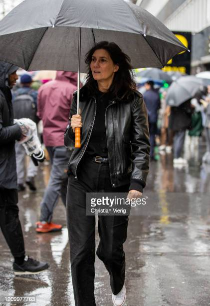 Emmanuelle Alt is seen outside Sacai during Paris Fashion Week - Womenswear Fall/Winter 2020/2021 : Day Eight on March 02, 2020 in Paris, France.
