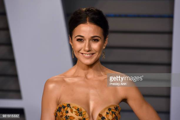 Emmanuelle Chriqui attends 2018 Vanity Fair Oscar Party Hosted By Radhika Jones Arrivals at Wallis Annenberg Center for the Performing Arts on March...
