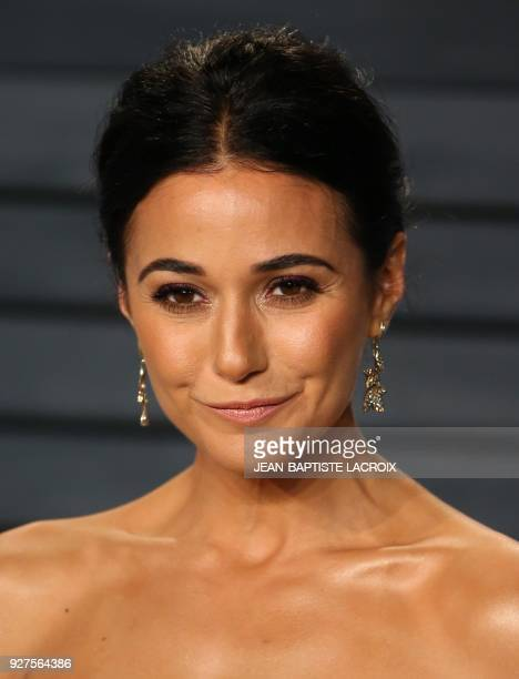 Emmanuelle Chriqui attends the 2018 Vanity Fair Oscar Party following the 90th Academy Awards at The Wallis Annenberg Center for the Performing Arts...