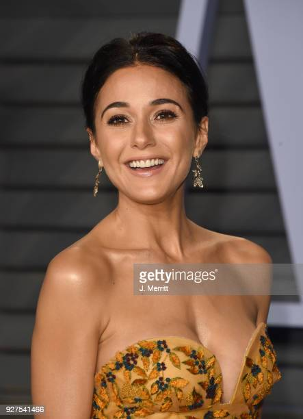Emmanuelle Chriqui attends the 2018 Vanity Fair Oscar Party hosted by Radhika Jones at the Wallis Annenberg Center for the Performing Arts on March 4...