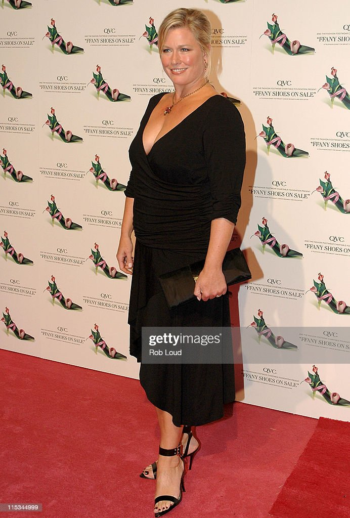 "QVC Presents the 12th Annual ""FFANY Shoes on Sale"" Breast Cancer Event : News Photo"