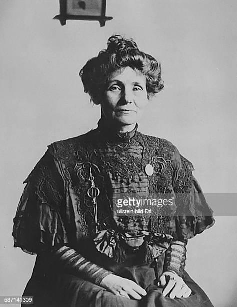Emmeline Pankhurst Suffragette Feministin Großbritannien gründete 1889 zur Durchsetzung des Frauenwahlrechts die `Women's Franchise League' und 1903...