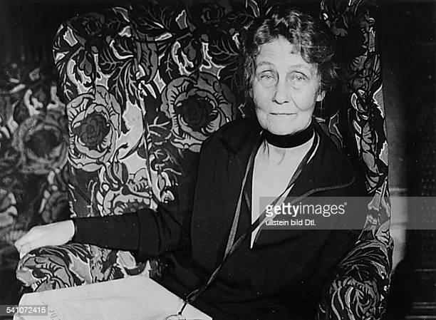 Emmeline Pankhurst*14071858Suffragette Feministin Großbritanniengründete 1889 zur Durchsetzung desFrauenwahlrechts die `Women`s FranchiseLeague' und...