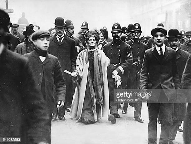Emmeline Pankhurst*14071858Suffragette Feministin Großbritanniengründete 1889 zur Durchsetzung desFrauenwahlrechts die `Women's FranchiseLeague' und...