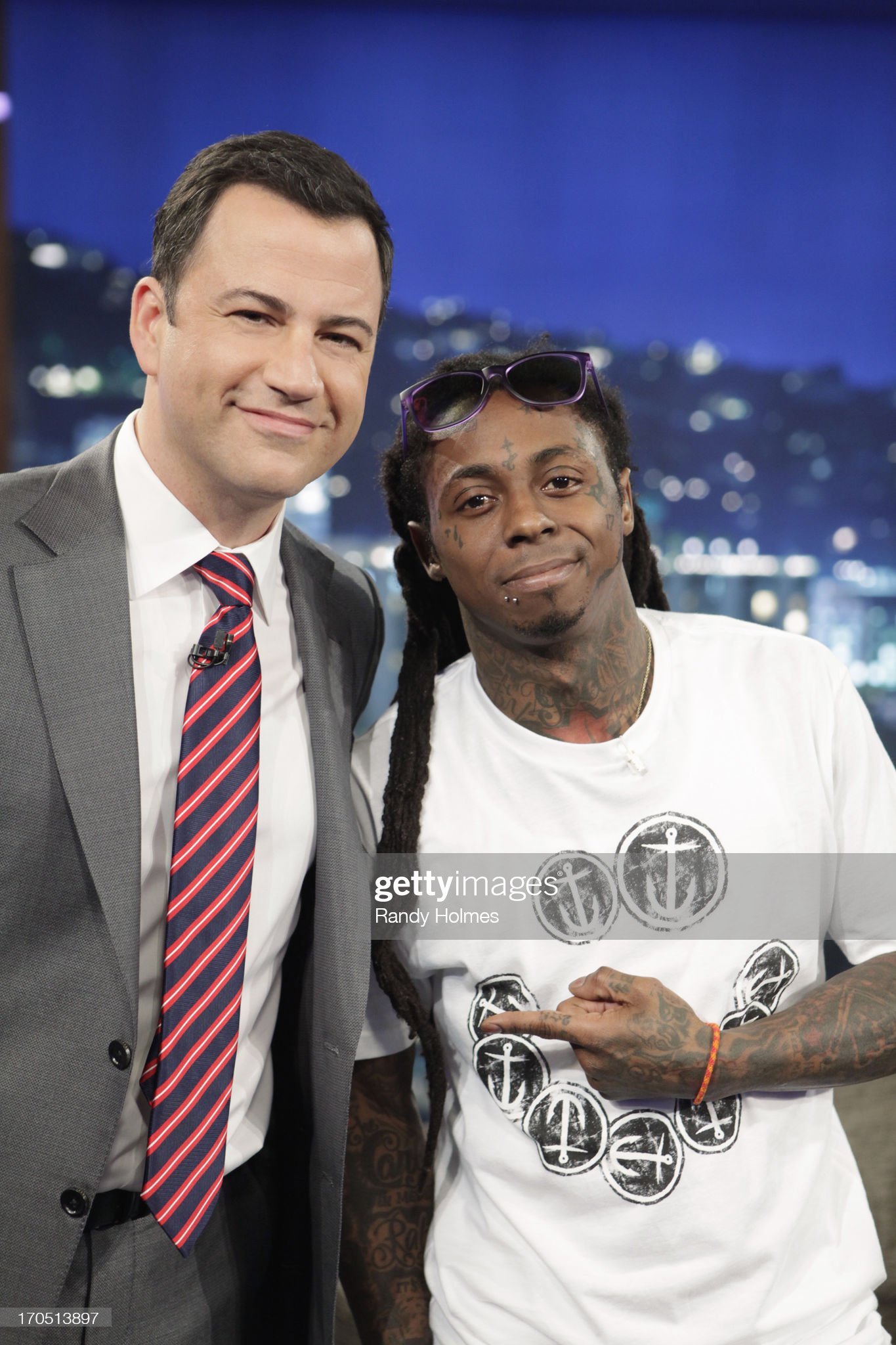 ¿Cuánto mide Lil Wayne? - Real height Emmy-awardnominated-jimmy-kimmel-live-airs-every-weeknight-packed-picture-id170513897?s=2048x2048