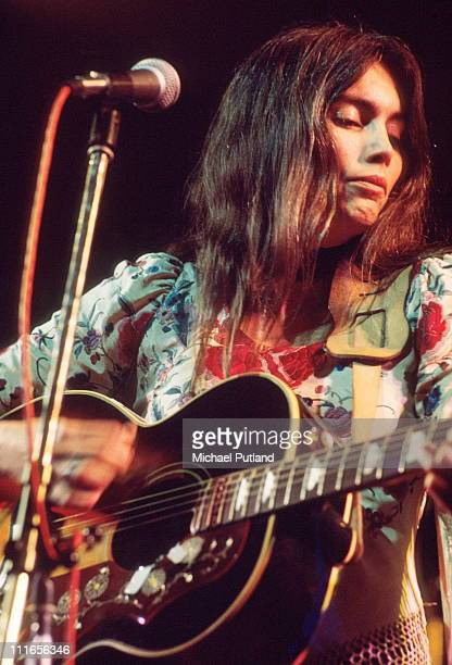 Emmylou Harris performs on stage London 17th November 1975
