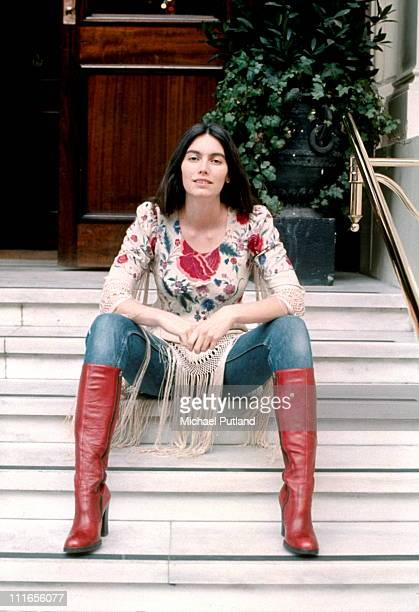 Emmylou Harris, portrait, London, 1975.