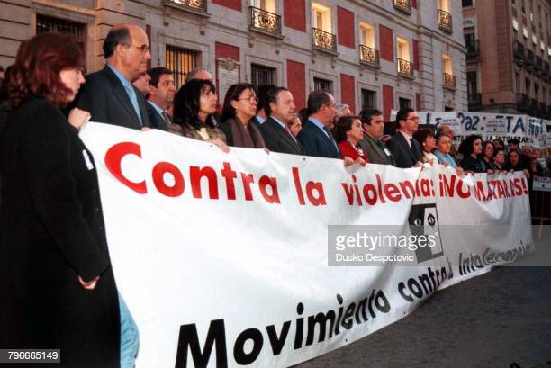 Emotion after the death of the Basque socialist leader FBuesa Blanco and his police bodyguard
