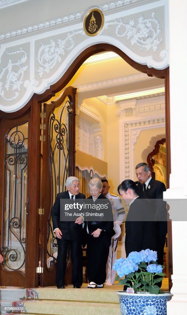 Emperor Akihito and Empress Michiko are seen off by Thai King Maha Vajiralongkorn after paying their respects to the late King Bhumibol Adulyadej at the Grand Palace on March 5, 2017 in Bangkok, Thailand.