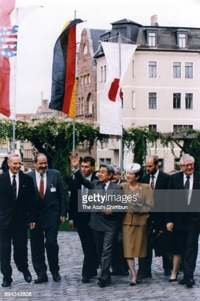 Emperor Akihito and Empress Michiko visit Nationaltheater on September 16 1993 in Weimar Germany