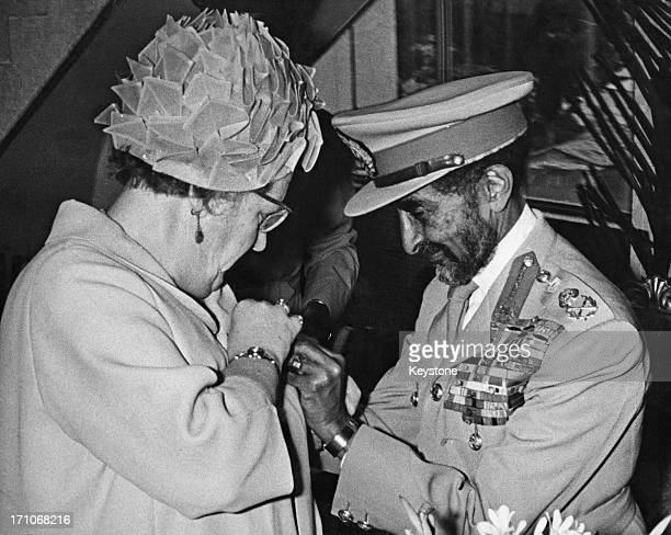 Emperor of Ethiopia Haile Selassie I presents a gold brooch to Queen Juliana of the Netherlands during her state visit to Ethiopia, Addis Ababa, 29th...