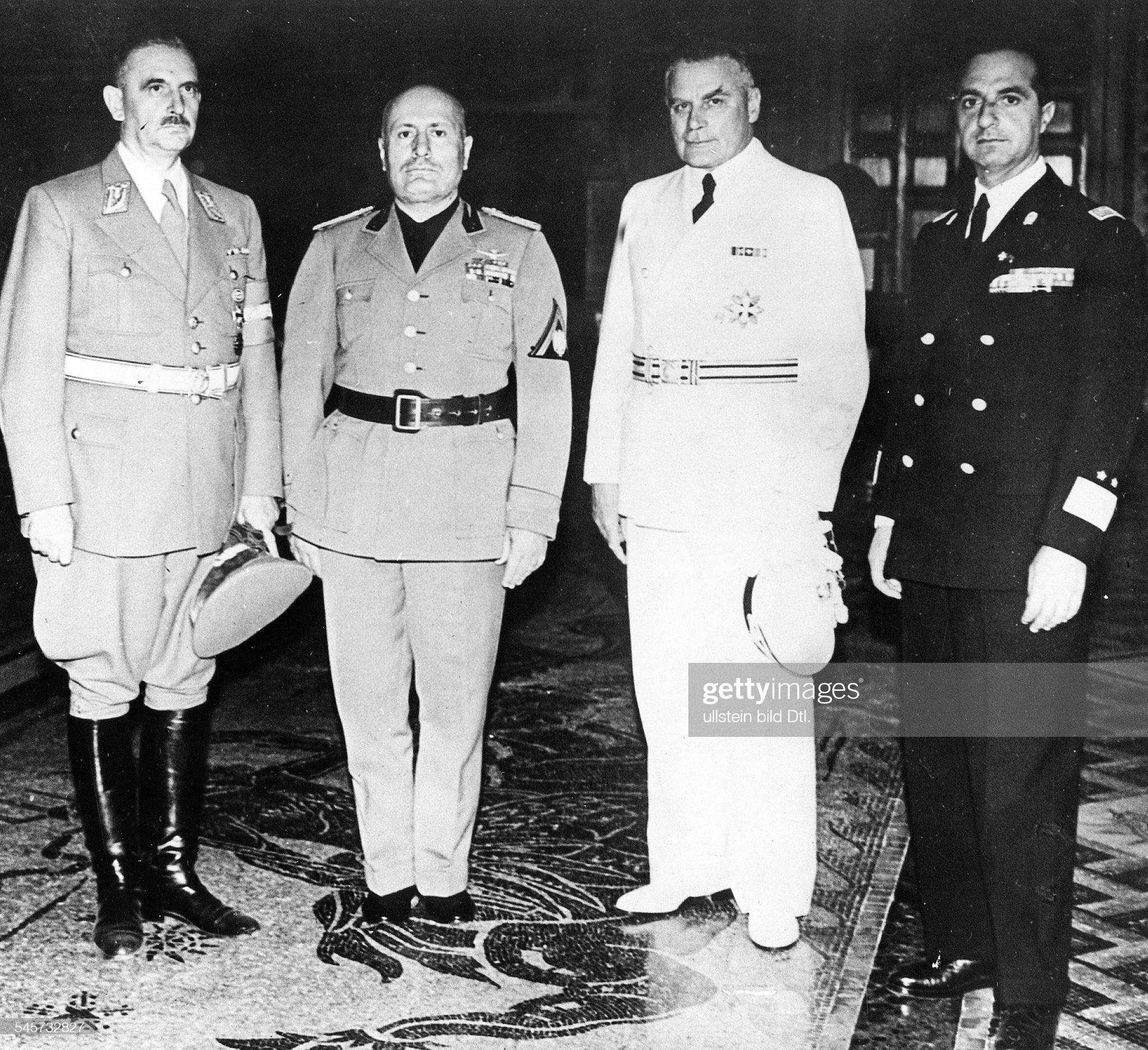 Dt.-ital. Treffen 40 - Rust, Mussolini, v. Mackensen u. Bottai im Palazzo Venezia in Rom : Nachrichtenfoto