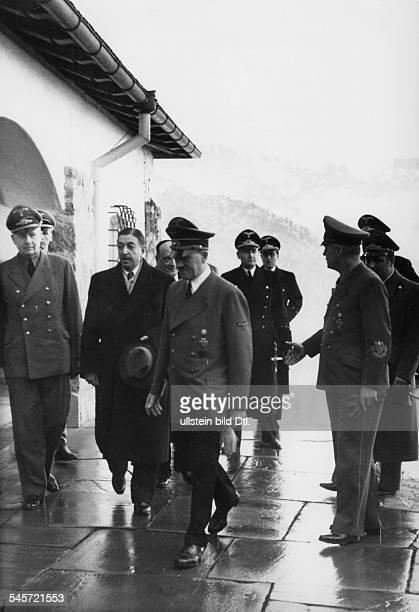 Empfang für Ministerpräsident DragisaCvetkovic durch AdolfHitler im Berghof auf dem Obersalzberg beiBerchtesgaden zu letzten Verhandlungenvor dem...