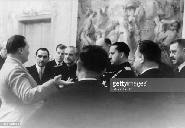 Empfang zu Ehren der ausländischenDelegationen durch Hermann Göring indessen Wohnsitz nebenGöring nach rechts der stellvertretendeMinisterpräsident...