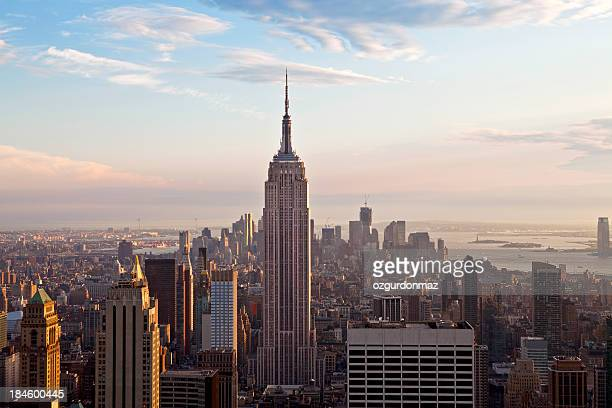 empire state building and midtown - empire state building stock pictures, royalty-free photos & images