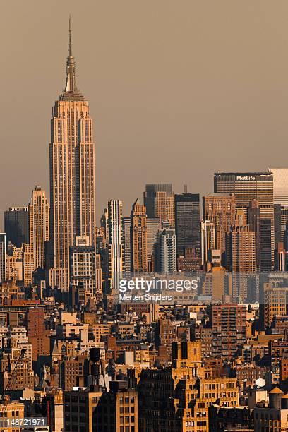 empire state building and skyline. - merten snijders - fotografias e filmes do acervo