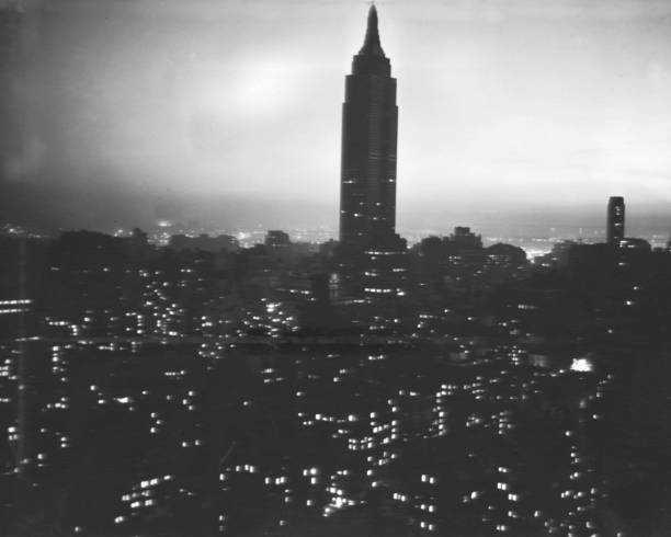 Empire State building during the blackout in New York City i