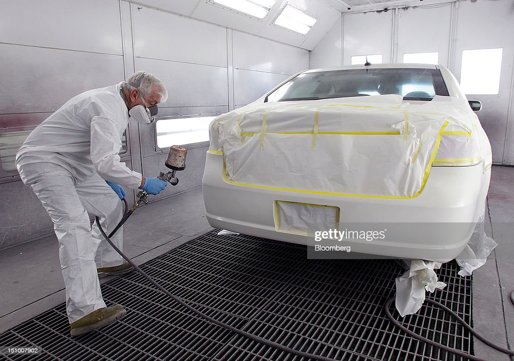 carlyle group to buy dupont auto paint unit for 4 9 billionの写真