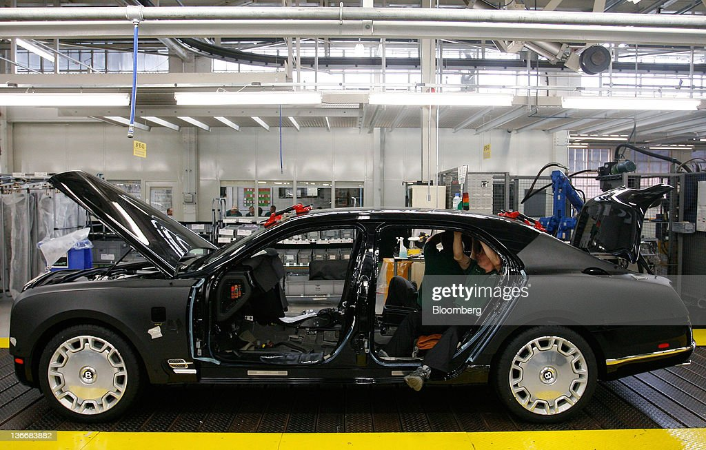 makes automobiles its roadshow cars pictures factory the how inside who bentley handcrafts luxury