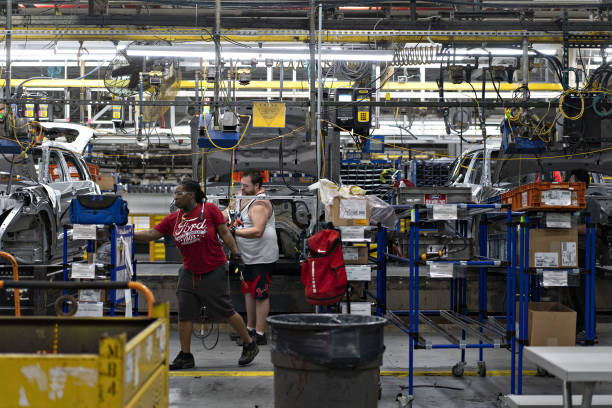IL: Ford Motor Co. Unveils $1 Billion Chicago Plant Transformation
