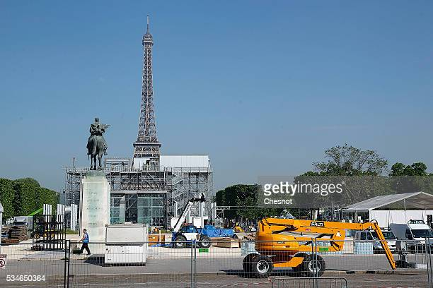 Employees build the Fan Zone near the Tour Eiffel in preparation for the UEFA 2016 European Championship on May 27 2016 in Paris France The Euro 2016...
