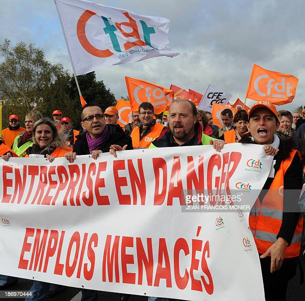 """Employees of """"FagorBrandt"""", subsidiary of the Spanish electrical appliance maker """"Fagor"""", demonstrate on November 5, 2013 in Vendome, central France,..."""