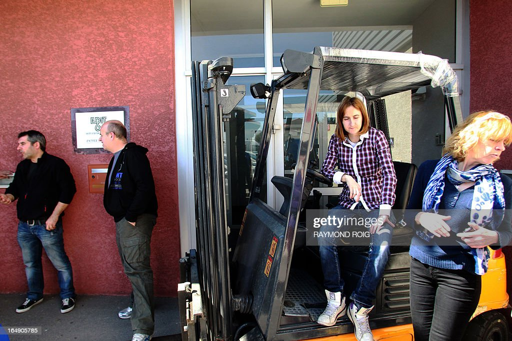 Employees of the dutch business and greeting card publishing firm employees of the dutch business and greeting card publishing firm edit66 block on march 29 2013 the entrance to the plant in the southwestern french town m4hsunfo
