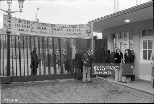 Employees of the Oldtimer Museum Schlumpf protest in Mulhouse 1977