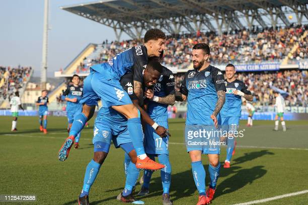 Empoli FC players celebrate a goal scored by Afriye Acquah during the Serie A match between Empoli and US Sassuolo at Stadio Carlo Castellani on...