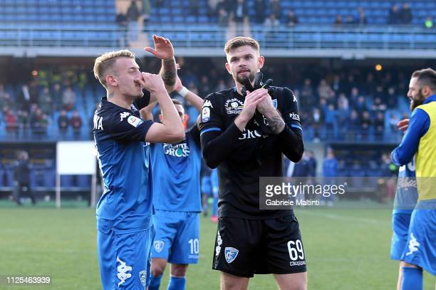 Empoli FC players greet fans after during the Serie A match between Empoli and US Sassuolo at Stadio Carlo Castellani on February 17 2019 in Empoli...