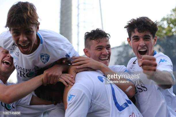 Empoli FC u17 players celebrate a goal scored by Emmanuel Ekong during the match between Empoli FC U17 and ACF Fiorentina U17 on October 14 2018 in...