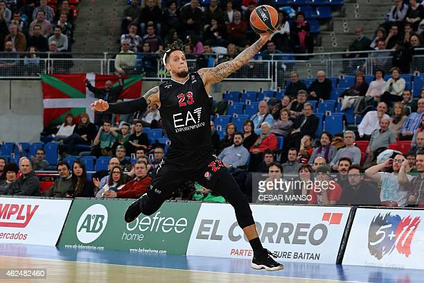 Emporio Armani Milan's forward Daniel Hackett jumps for the ball during the Euroleague basketball round 5 match Laboral Kutxa Vitoria vs EA7 Emporio...