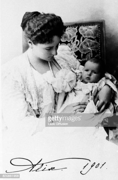 Empress Alexandra Feodorovna Romanova and her daughter Grand Duchess Anastasia Russia circa 1901