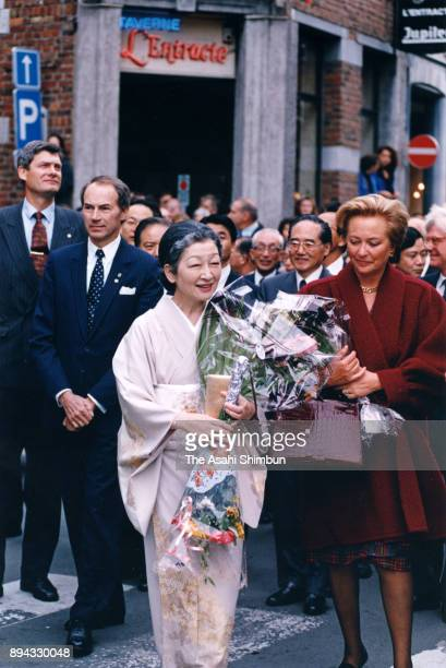 Empress Michiko and Queen Paola of Belgium visit the Mons City Hall on September 10 1993 in Mons Belgium