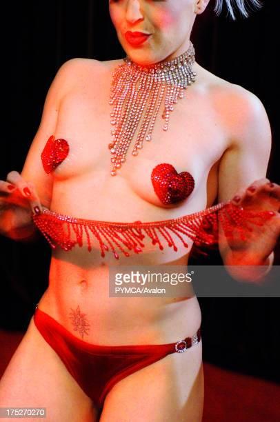 Empress Stah Art of tease night of seduction Burlesque evening london theatre museum UK 2005