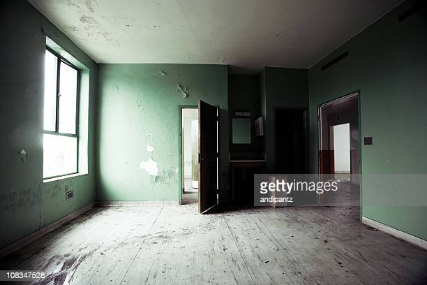 empty abandoned room - abandoned stock pictures, royalty-free photos & images