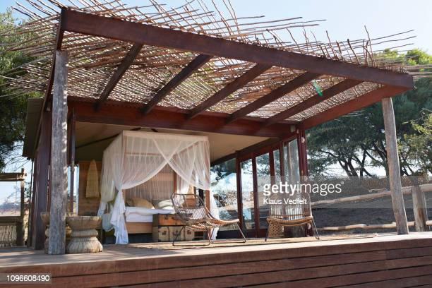 empty amazing luxury vacation cabin in the bush country - província do cabo ocidental imagens e fotografias de stock