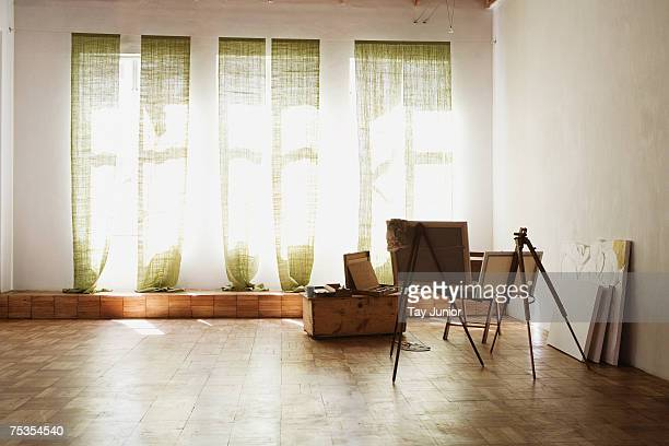 empty artist's studio - art studio stock pictures, royalty-free photos & images