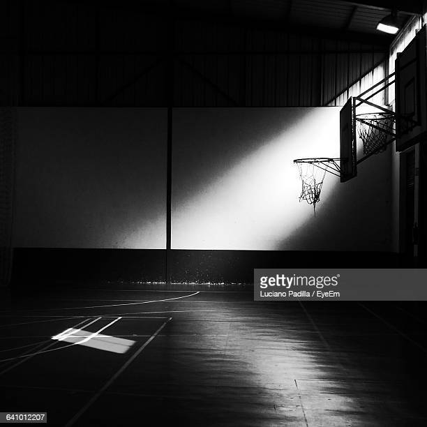 empty basketball court - sports court stock pictures, royalty-free photos & images