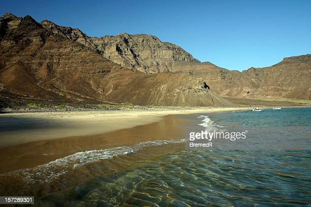 empty beach near aden - yemen stock pictures, royalty-free photos & images