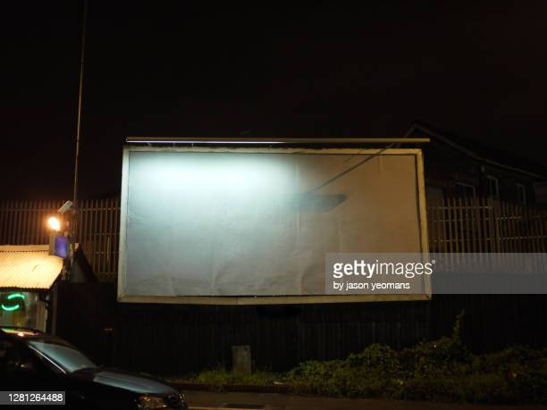 empty billboard - night stock pictures, royalty-free photos & images