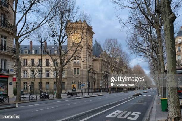 empty boulevard in paris. - emreturanphoto stock-fotos und bilder
