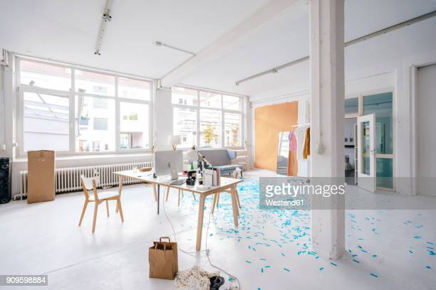 empty business loft - atelier stock-fotos und bilder